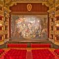 'Facciamo luce sul teatro', dal foyer del Sociale il richiamo alla situazione del mondo dello spetta...