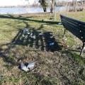 Belfiore, spazzature a due passi dal lago: quando l'inciviltà trionfa
