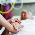 Lotta al Covid nelle Rsa: l'amorevole impresa del personale sanitario tra dedizione e carenze di org...